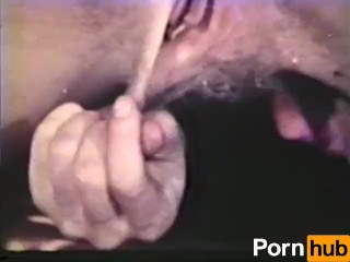 Mujer madura britanica se desnuda y se bana