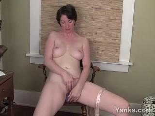 Hairy milfs panties porn