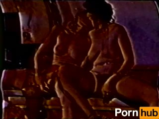 Lesbian Peepshow Loops 629 70s and 80s - Scene 3