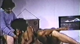 Peepshow Loops 320 70s and 80s - Scene 1