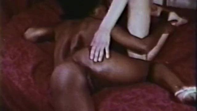 Fuck innocent girls in 80s Peepshow loops 415 70s and 80s - scene 1