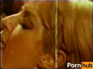 Peepshow Loops 417 70s and 80s - Scene 2