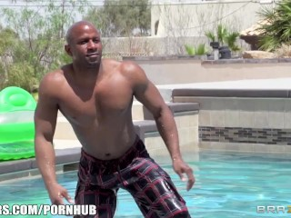 Bikini Latina Ariella Ferrera daydreams about fucking her poolboy