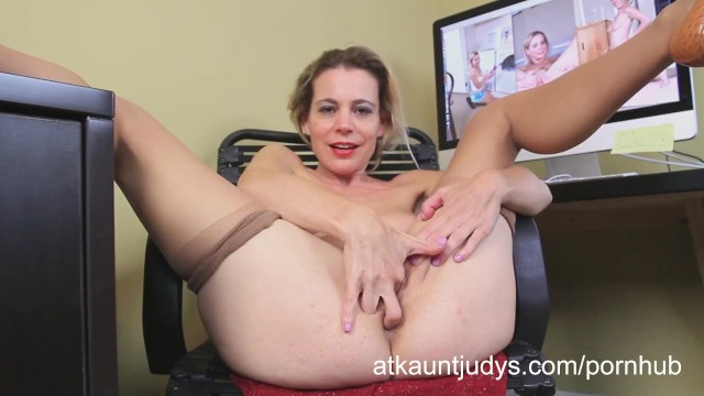 Aunt judys mature amatures Amateur mature housewife pauline marie fingers her wet pussy
