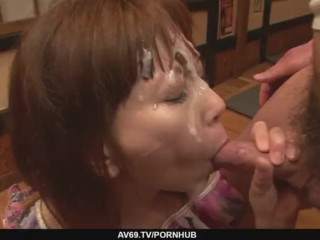 Minami Kitagawa´s foursome ends in an asian cum facial