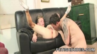 Hans Blan And Derrick Paul - Fetish Daddy Worshipping A Twinky Ass
