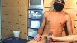 A french arab straight guy get wanked his very huge cock by a guy !
