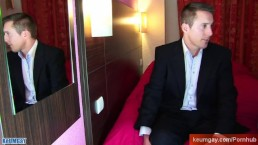 Marc, a real straight banker get wanked by a guy in spite of him !