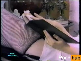 Lady Spreads Open Her Legs Home The Campus For Gratifying