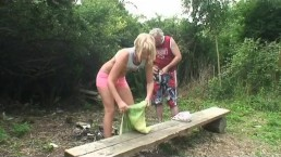 Grandpa gets lucky with a blonde babe in the public park