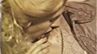 Lesbian Peepshow Loops 585 70s and 80s Scene 3