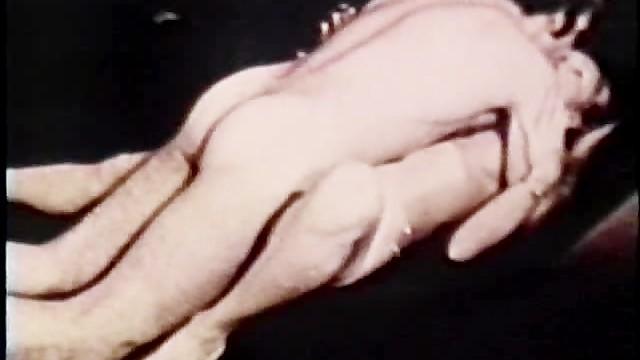 Vintage vanity Peepshow loops 295 1970s - scene 1