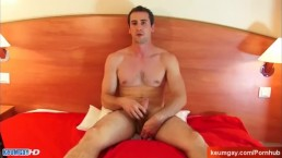 A real french straight guy serviced! (huge cock).