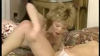 Prive  scene chatouillement hairy pussy