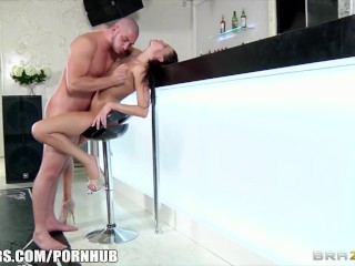 Brazzers - Erika Belluci - Cum Try the Squirt-Master Cocktail