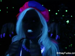 Britney Amber & a hot blonde share Halloween scare then each other
