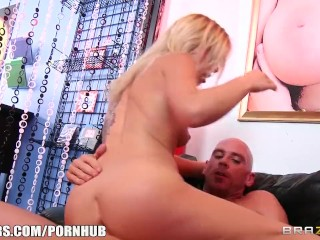 Zoey Monroe - Friendly Squirting - Brazzers