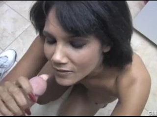 Lisa sparks is a sexy babe from la with nice big hooters