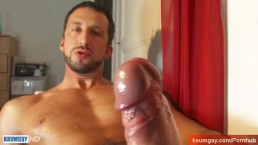 Calavli, a sexy hunk get wanked his huge cock by a guy !