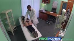FakeHospital hete gymnaste in haar 20's verleid door docter en krijgt een creampie