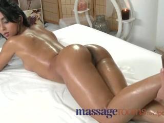 Preciosa con interracial multiple orgasms the moms