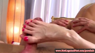 Massage kathia to nobili feet using blonmg feet