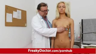 Petite blonde babe Victoria Puppy pussy pump therapy Masturbation outside