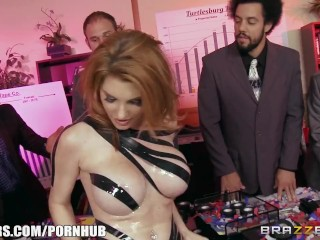 Preview 3 of Lilith lust is the perfect sales women - Brazzers