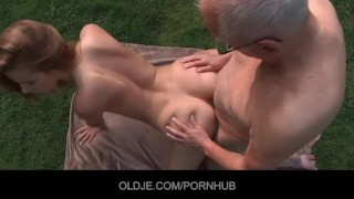 young slut eats this black man com