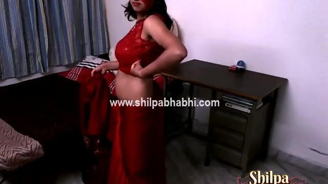 Sexy naked lesbiens - Sexy shilpa bhabhi indian wife in red saree stripping naked sex