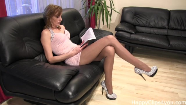 Mature handjob clips - Mature tall woman nice high heels dangling
