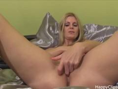 Jenna pussy plays