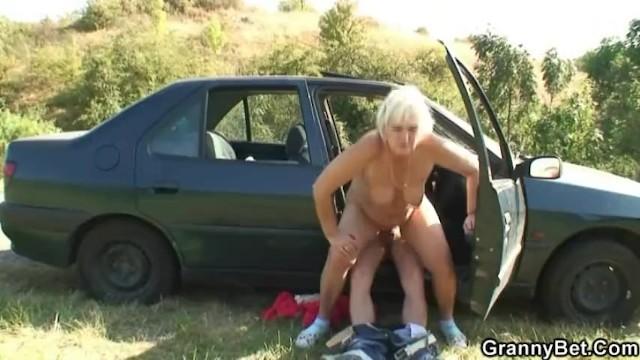 natyanuli-plechevaya-na-doroge-porno-video-smotret-onlayn-polnie