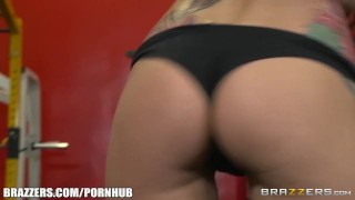 Gym Foursome and anal workout - Brazzers