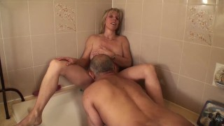 Pissing on my Pussy, and then Pissing on a Cock! porno