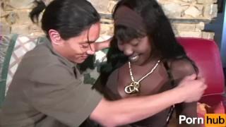 Castings volume lhermite de  les scene interracial tits