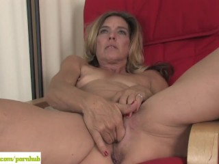 Horny Cougar Monique Masturbates