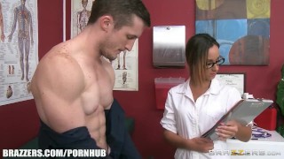 Jada Stevens is the best doctor ever - Brazzers
