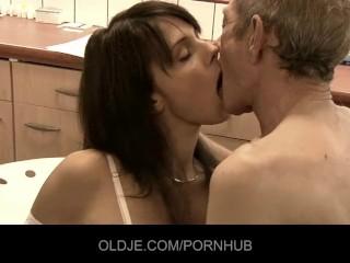 Jackhammer Sex Position Fucking, Cum Lips Milf Sex