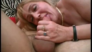 Deep throut blowjob