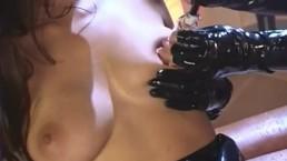 X-treme Rubber Girls, Scene 1