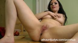 Sophia Delane looks hot in her lingerie