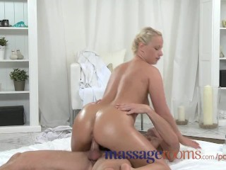 Massage Rooms Plump mature blonde milks masseuse's hard cock with her ass
