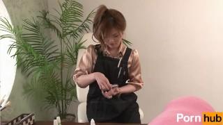 Hataraki Woman Charisma Nailist to Namahame Shugyo - Scene 1