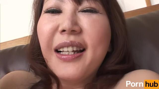 エロい下着でムスコにomannko中出し性交させる豊満おばさんの無修正ビデオ - おまんこ映像