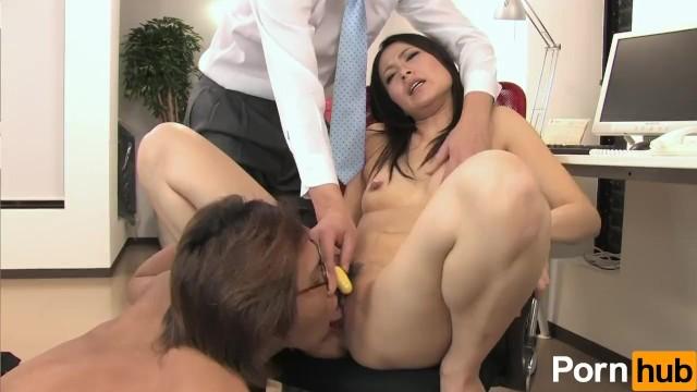 黒髪ロングのむっちり美人OLが同僚に敏感なおまんこを舐め回 ... - Pornhub