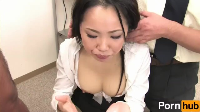 【無修正】【無修正】新入社員の初心な美人OLが変態上司たちにセクハラされて泣き顔で絶頂