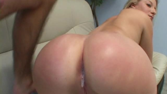 NAUGHTY AMERICA VR hot hotel fucking