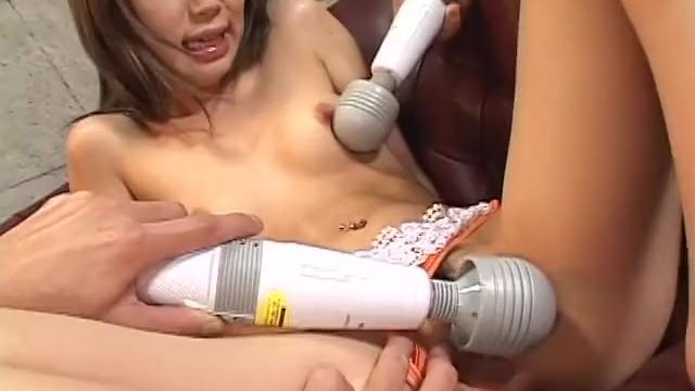 азиаты порно игрушками