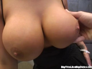 Www Youtubenudefemales Com Hot Secretary With Huge Boobs Fucks In The Back Office